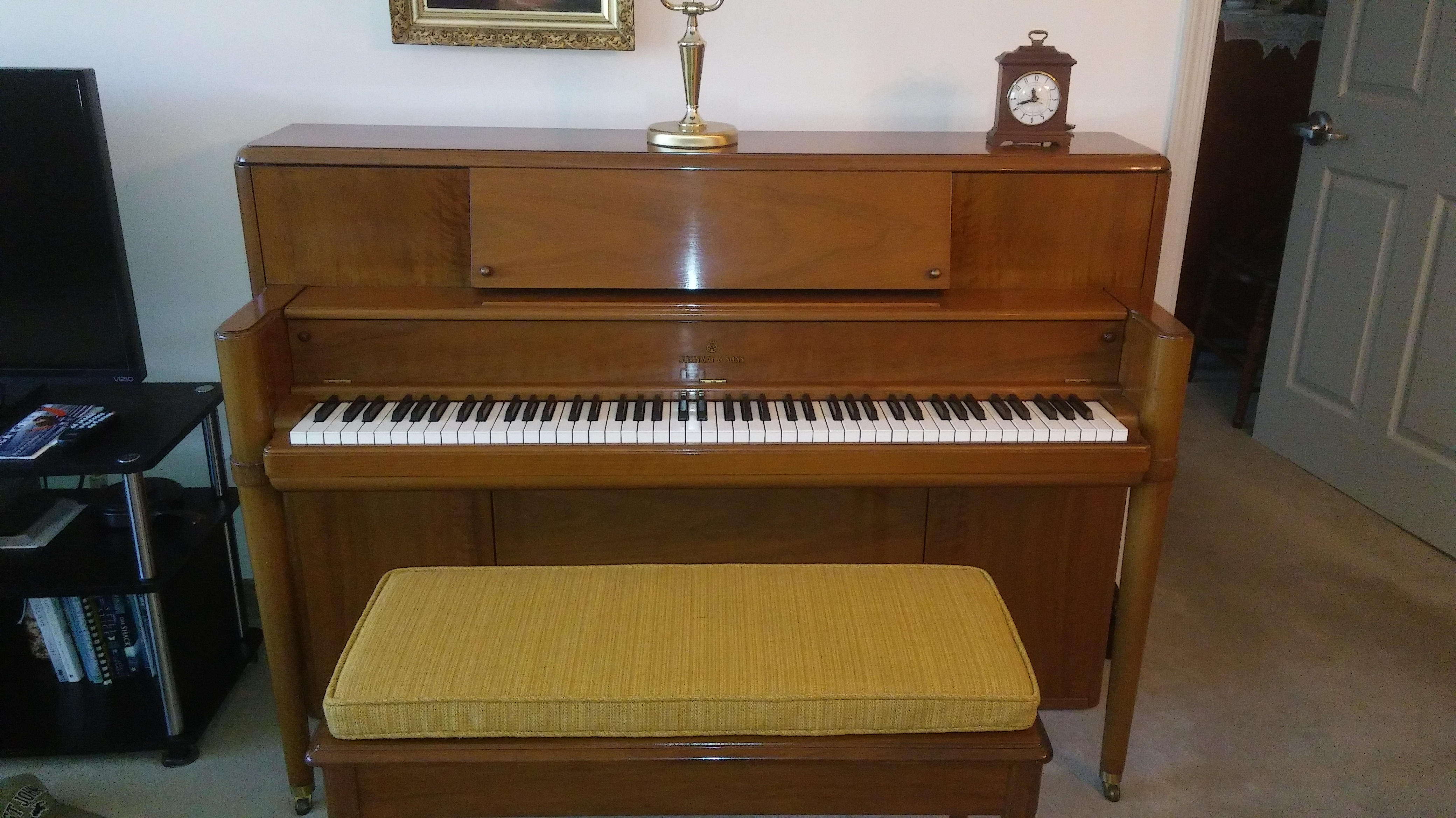 steinway walnut console piano for sale sold grand workshoppe piano co grand workshoppe. Black Bedroom Furniture Sets. Home Design Ideas